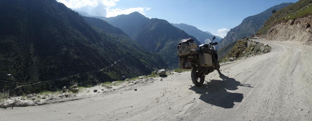 Tirados en el Himalaya