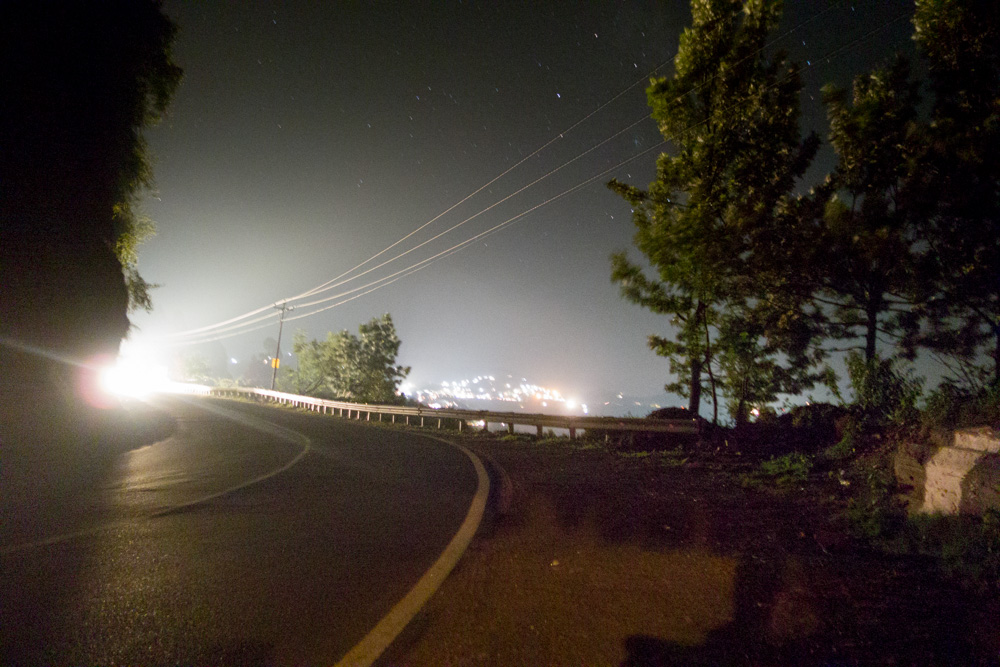 carreteras de la India por la noche