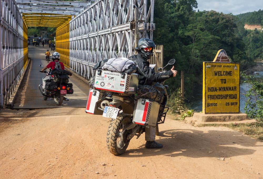 Cruzar Myanmar en moto