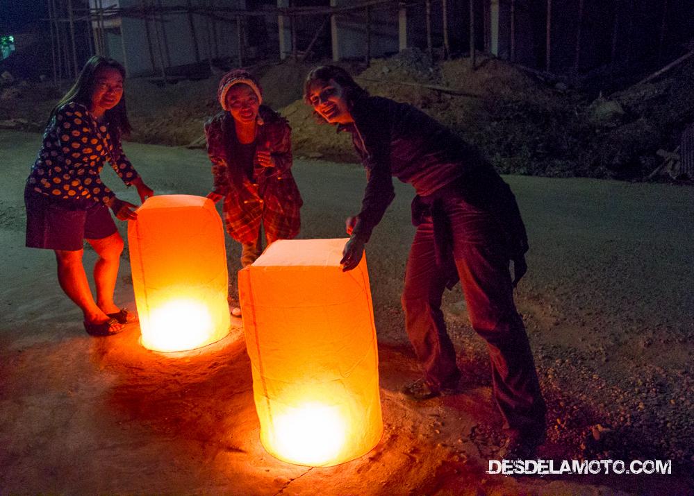 Farolillos de navidad en Laos.