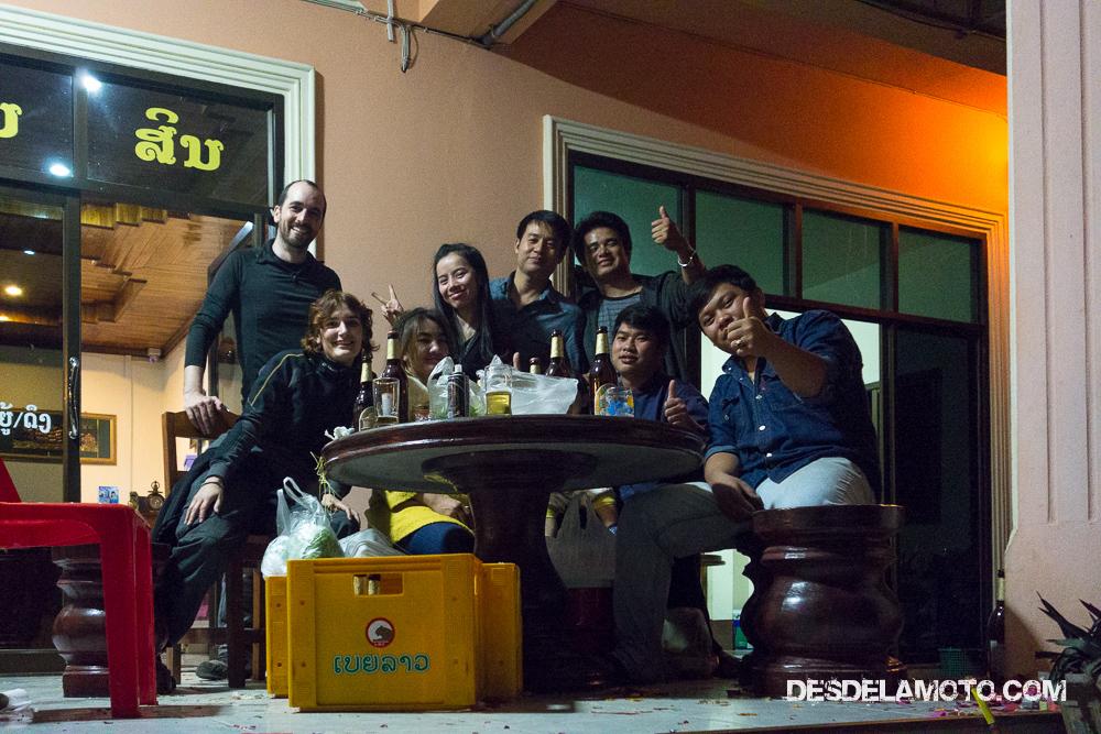 Amigos en fin de año en Laos