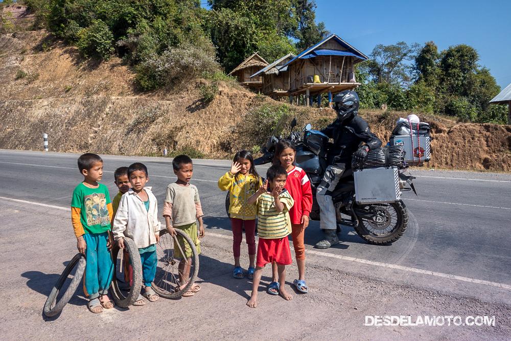 Niños de Laos.