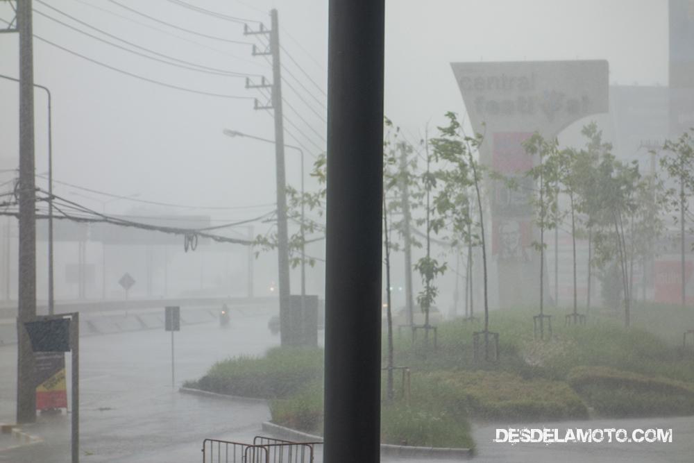 Comienzo de las lluvias en Chiang Mai.