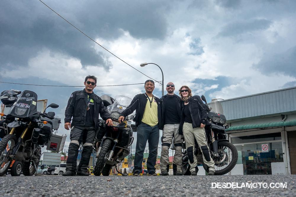En moto cerca de Bangkok