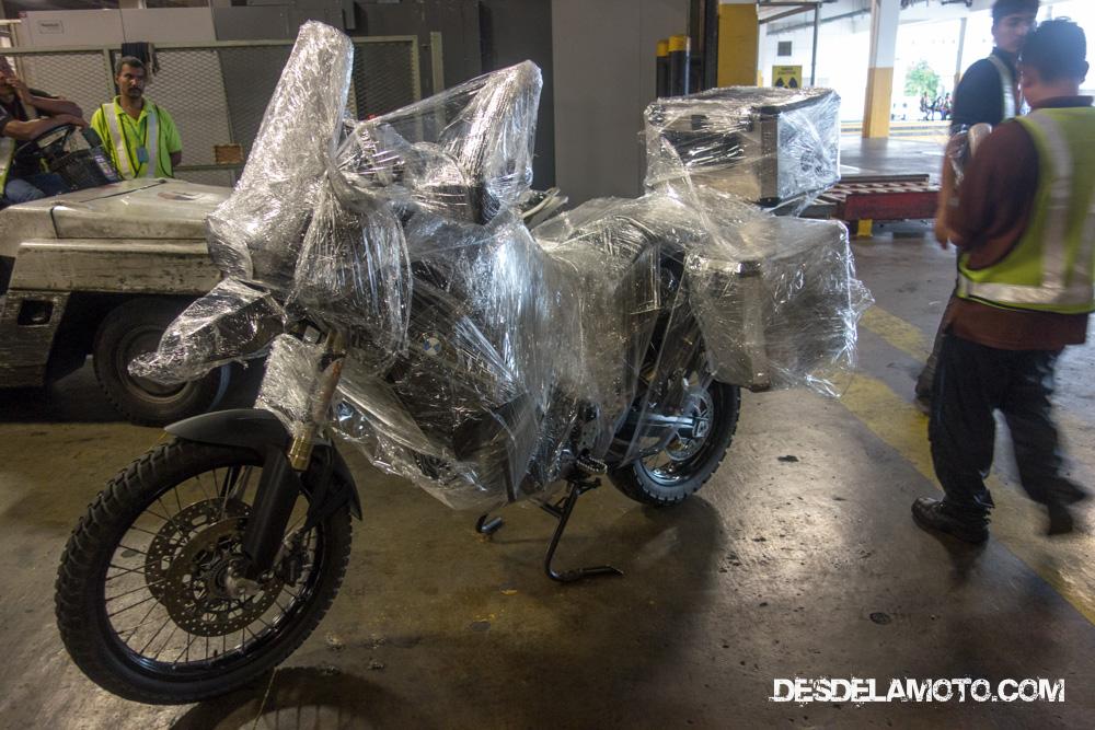 Envío de la moto en avión de Kuala Lumpur a Australia