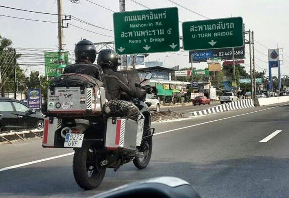 Últimos kilómetros por Asia