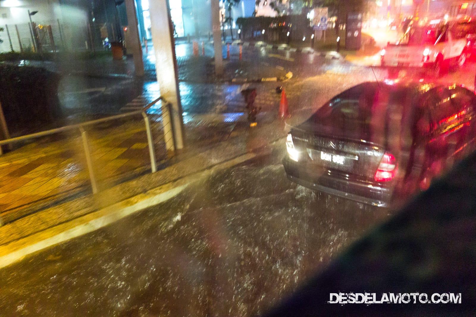 Calles inundadas en Kuala Lumpur
